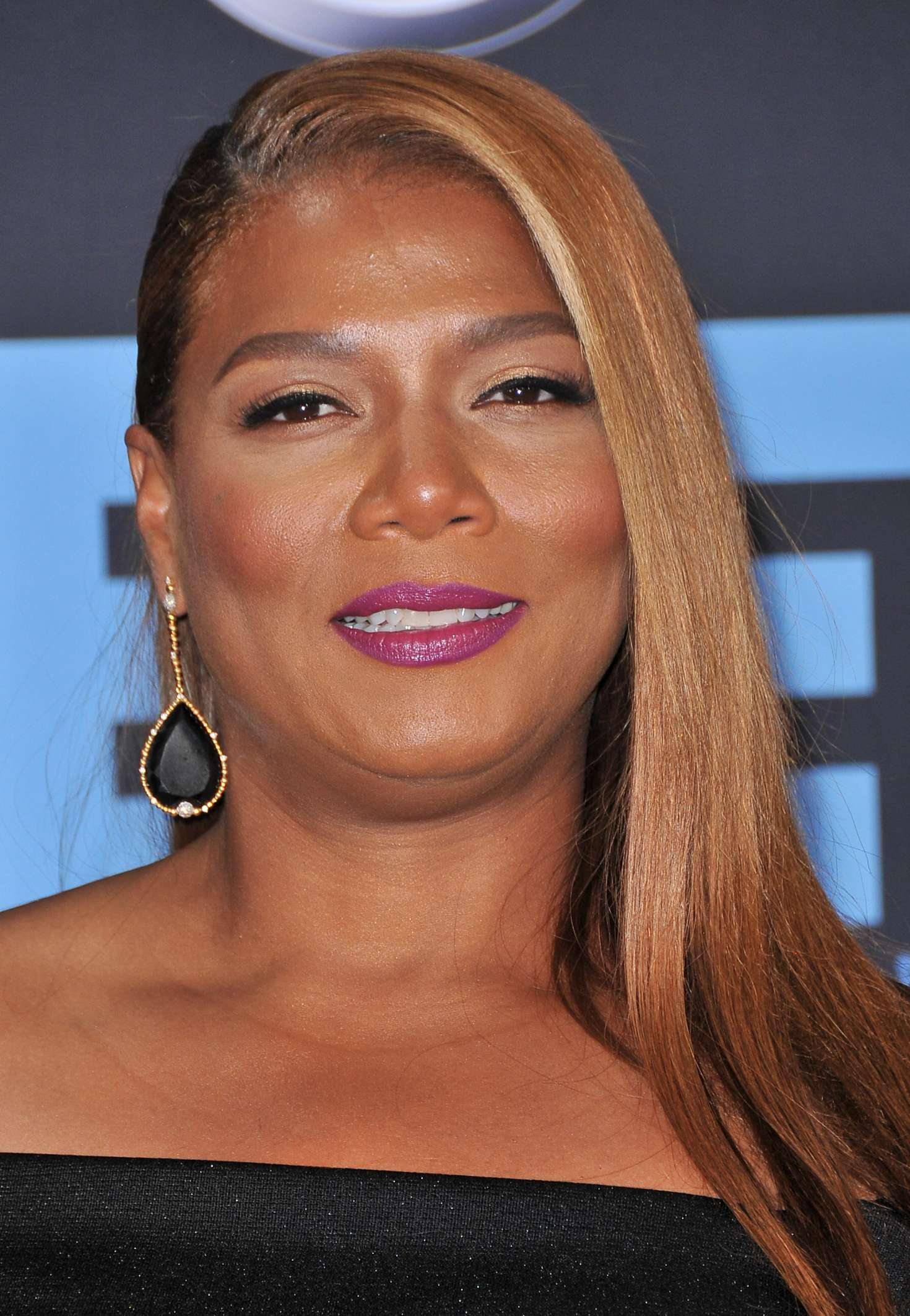 Queen Latifah 2017 Bet Awards 04 Gotceleb