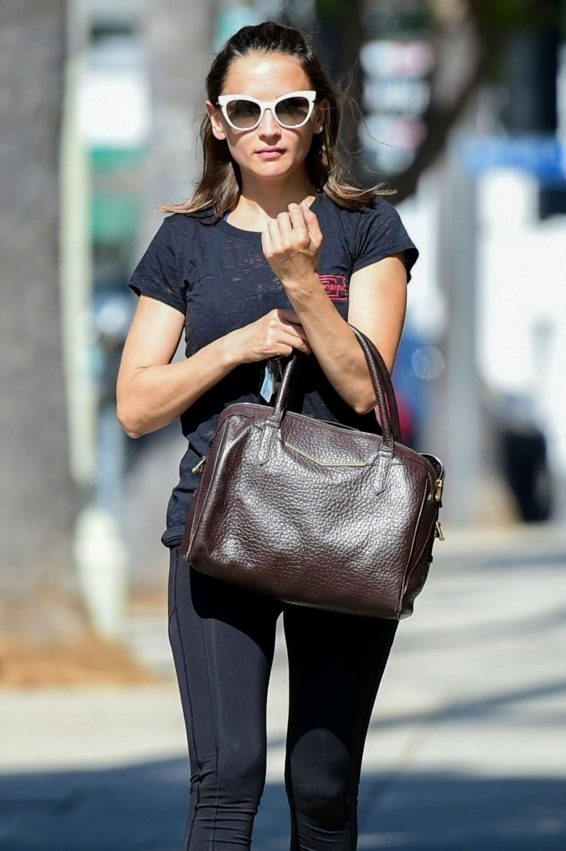 Rachael Leigh Cook in Spandex - Heading to a gym in Studio City