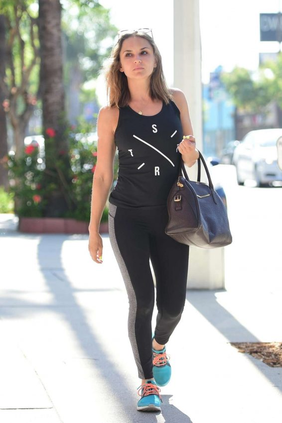 Rachael Leigh Cook – Spotted going to the gym in Studio City -11