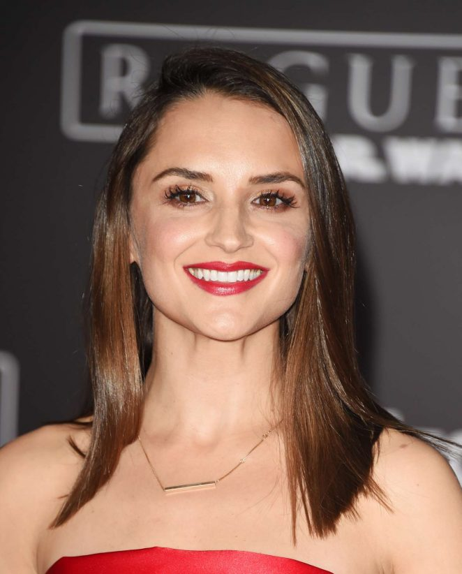 Rachael Leigh Cook: Star Wars Rouge One Premiere -08