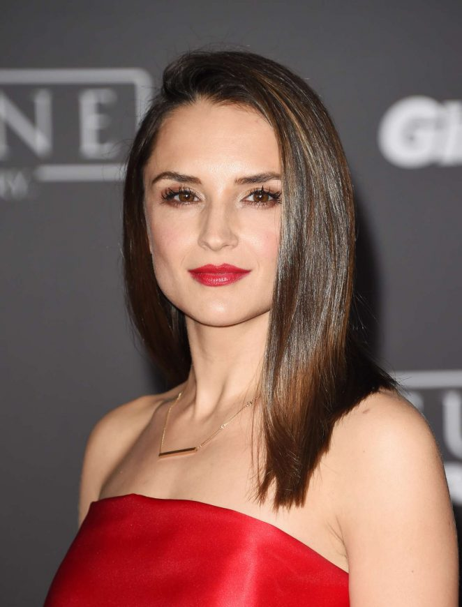 Rachael Leigh Cook: Star Wars Rouge One Premiere -15