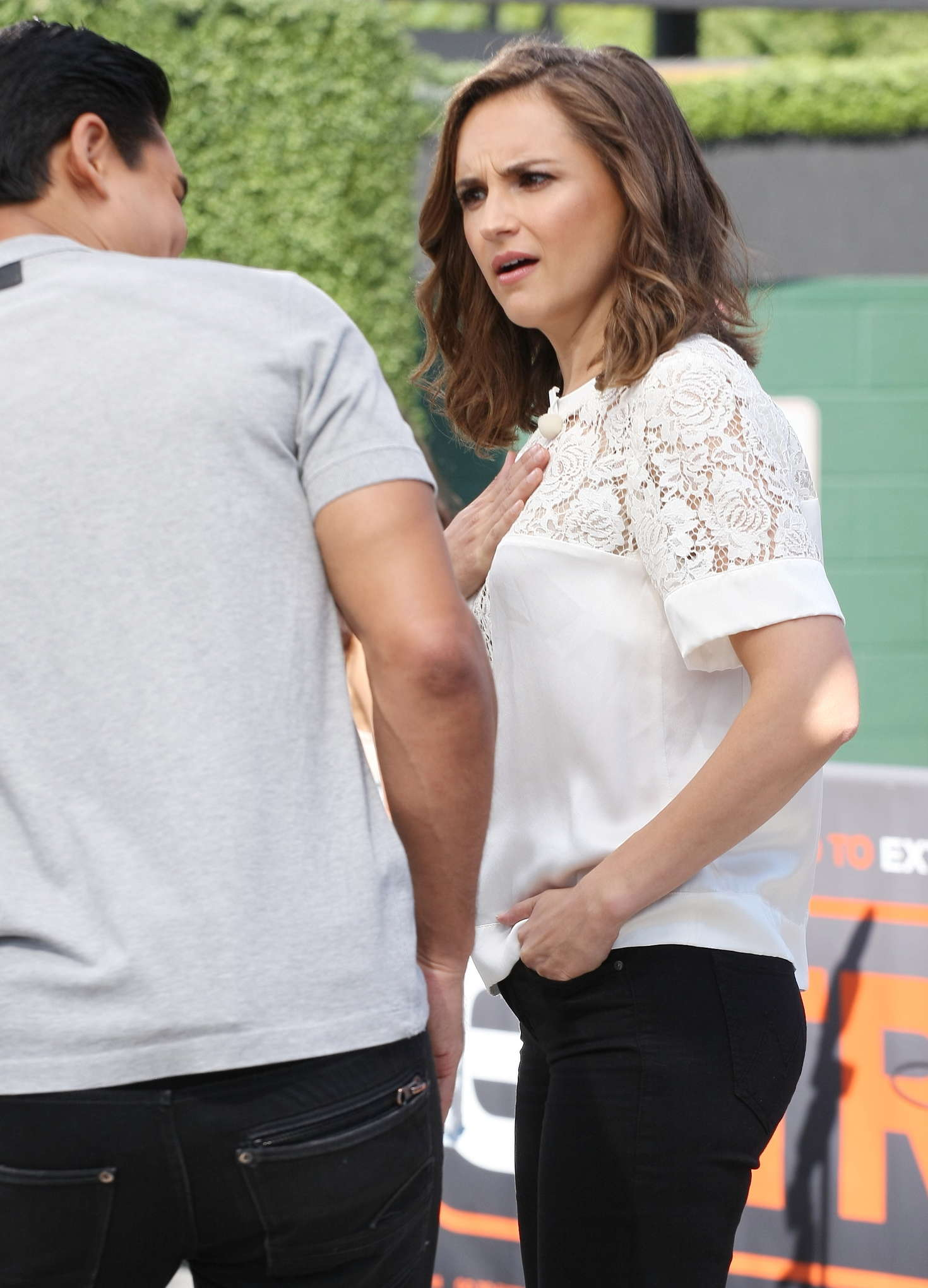 Rachael Leigh Cook 2016 : Rachael Leigh Cook visits Extra at Universal Studios -24
