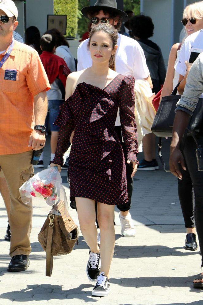 Rachel Bilson - On set of Extra in Los Angeles