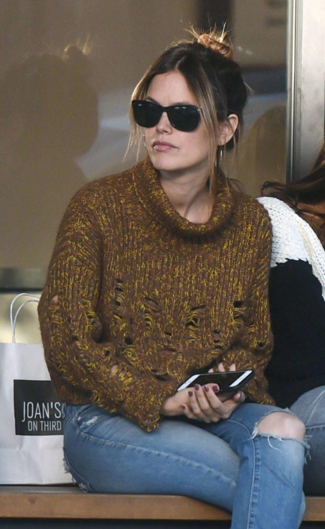 Rachel Bilson - Outside a coffee shop in Los Angeles