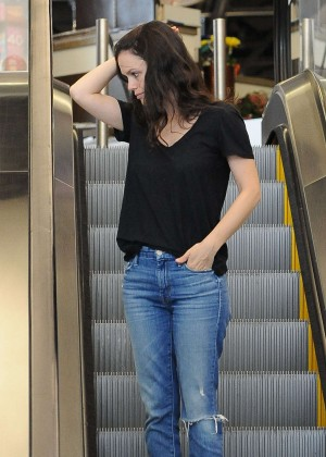 Rachel Bilson in Jeans Shopping in Beverly Hills