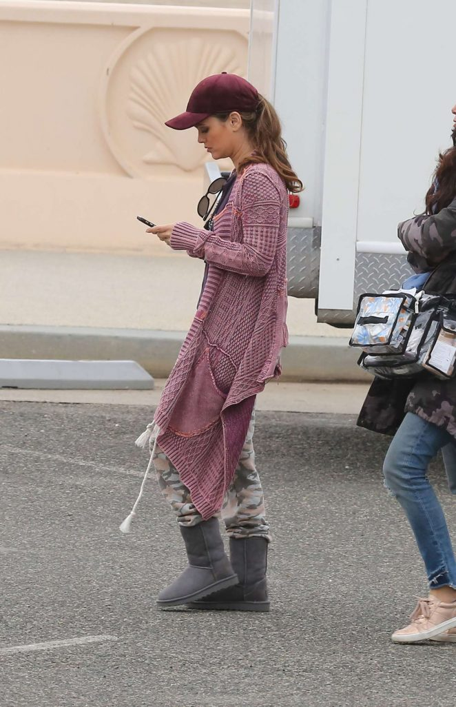 Rachel Bilson - Spotted on the set of Take Two in Malibu