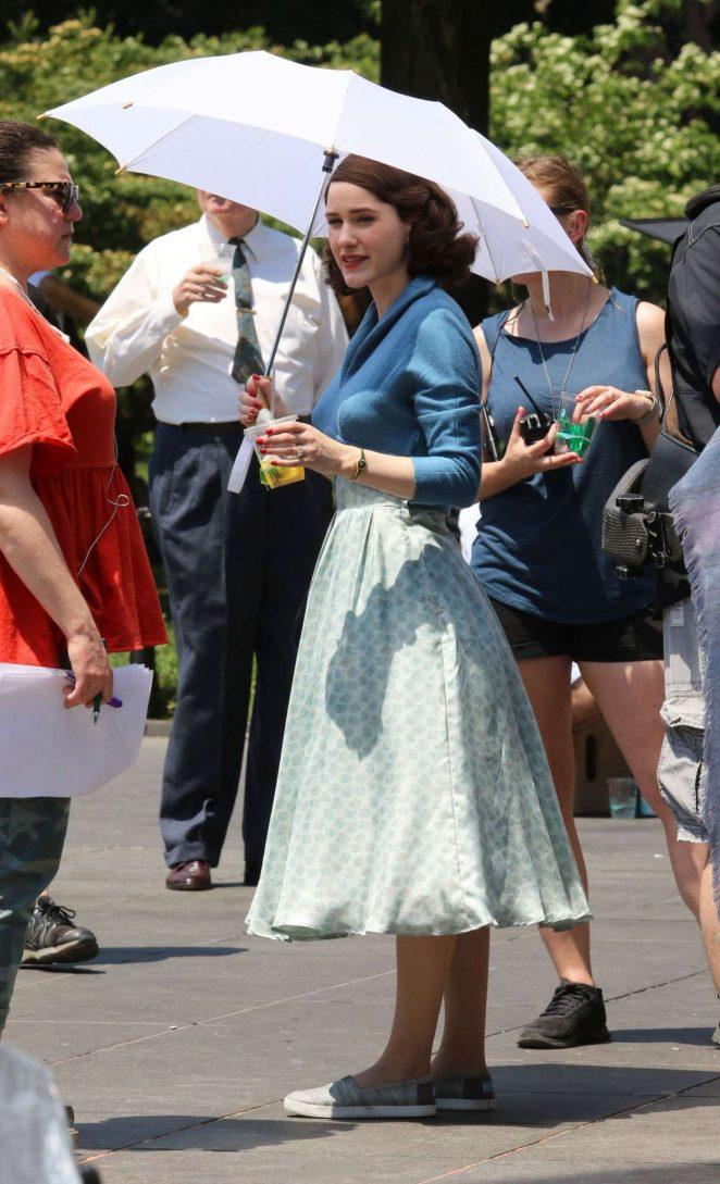 Rachel Brosnahan - Filming 'The Marvelous Mrs. Maisel' set in NY