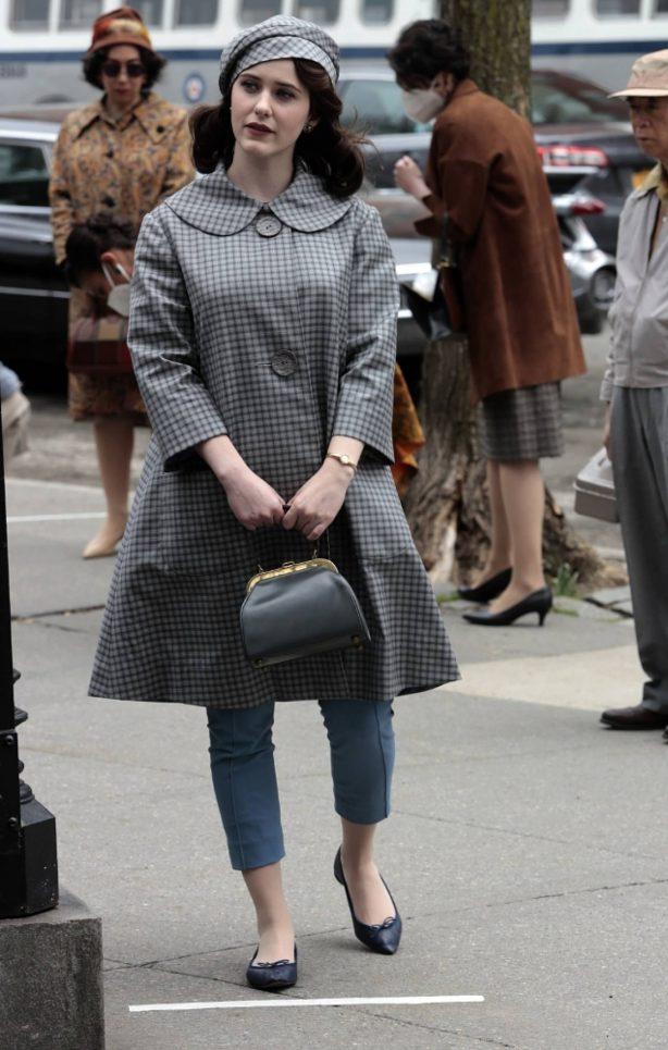 Rachel Brosnahan - 'The Marvelous Mrs. Maisel' set filming in New York