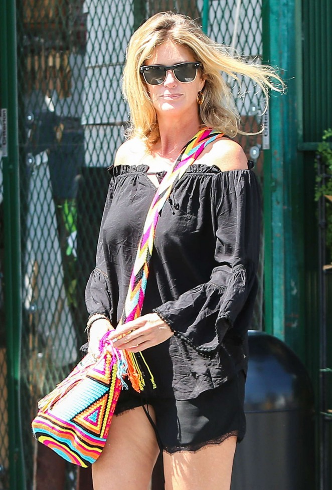 Rachel Hunter in Shorts at Bristol Farms in West Hollywood