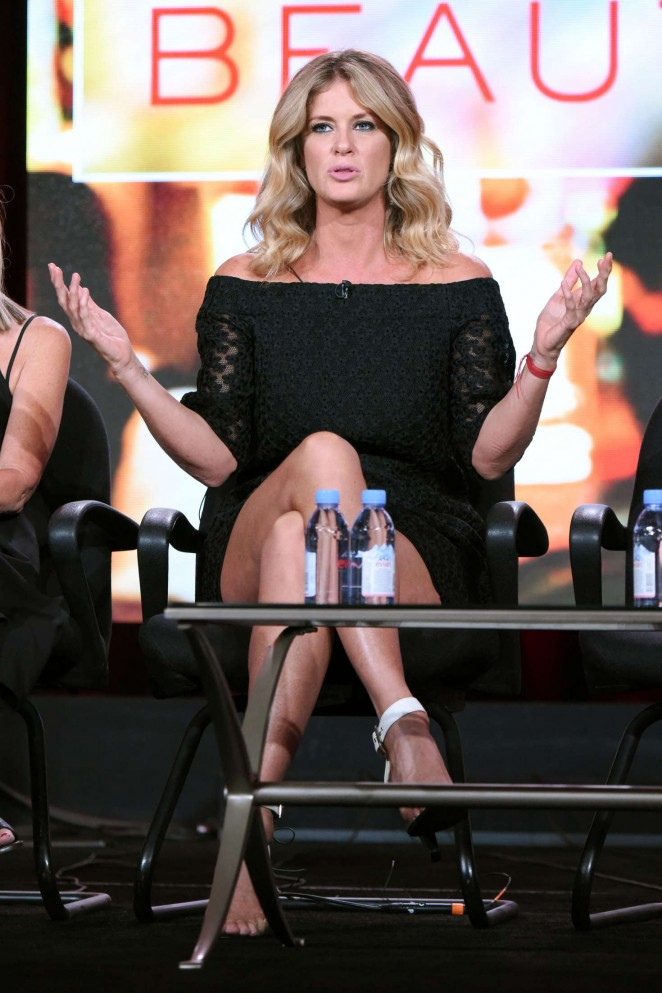 Rachel Hunter - Ovation 2016 Winter TCA in Pasadena