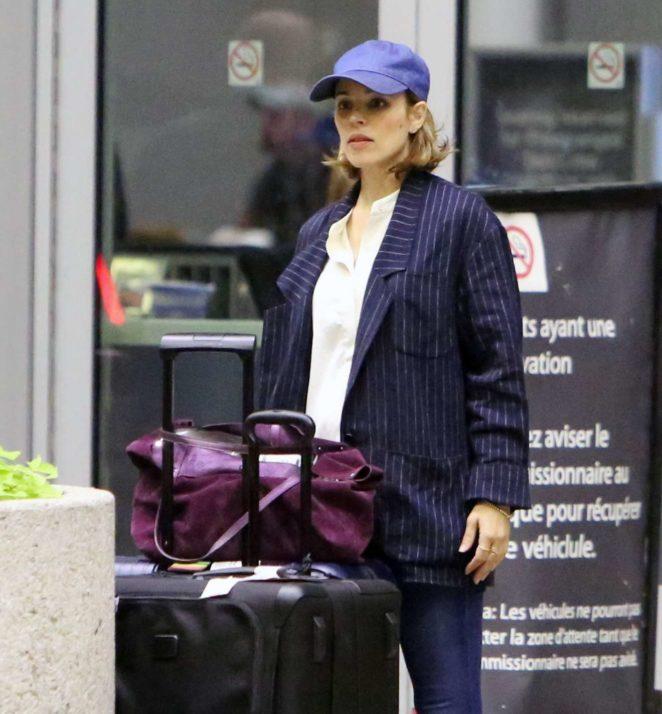 Rachel McAdams - Arriving in Toronto