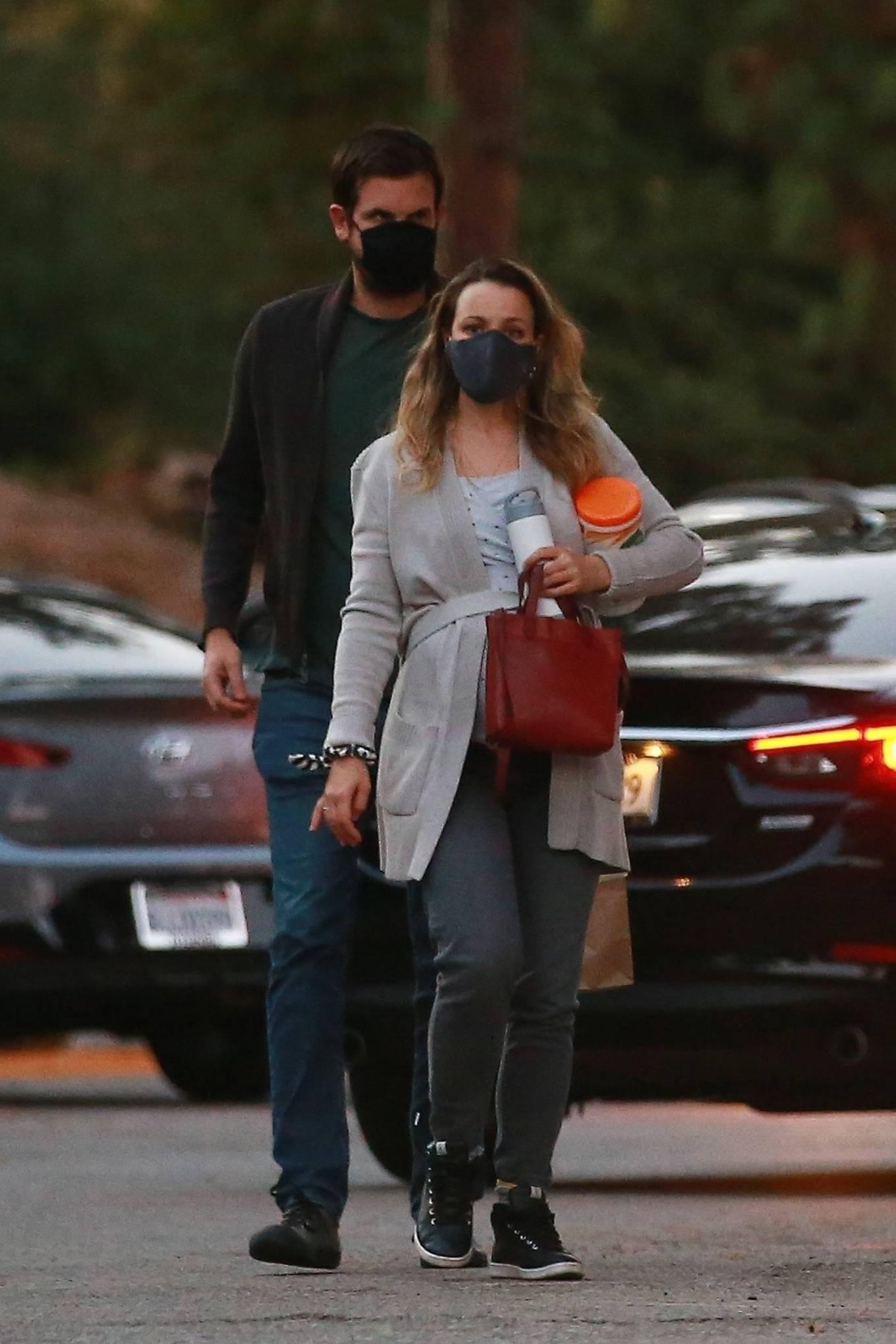 Rachel McAdams - Seen with her boyfriend at local park in Los Angeles