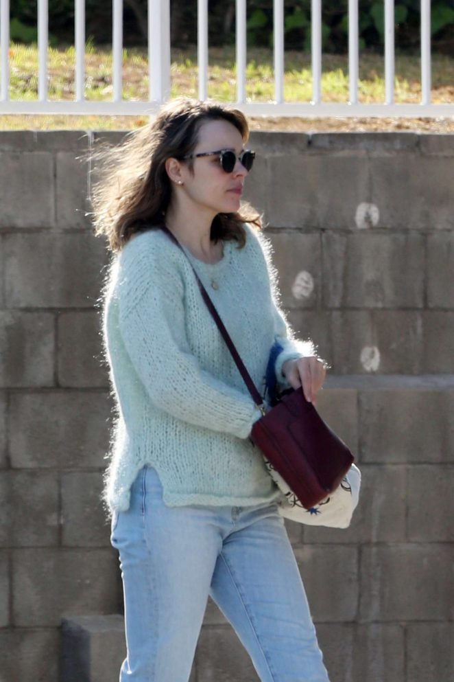 Rachel McAdams – Shopping in Los Angeles