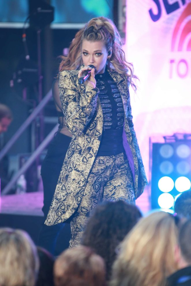 Rachel Platten - Performs on NBC's 'Today' Show in New York City
