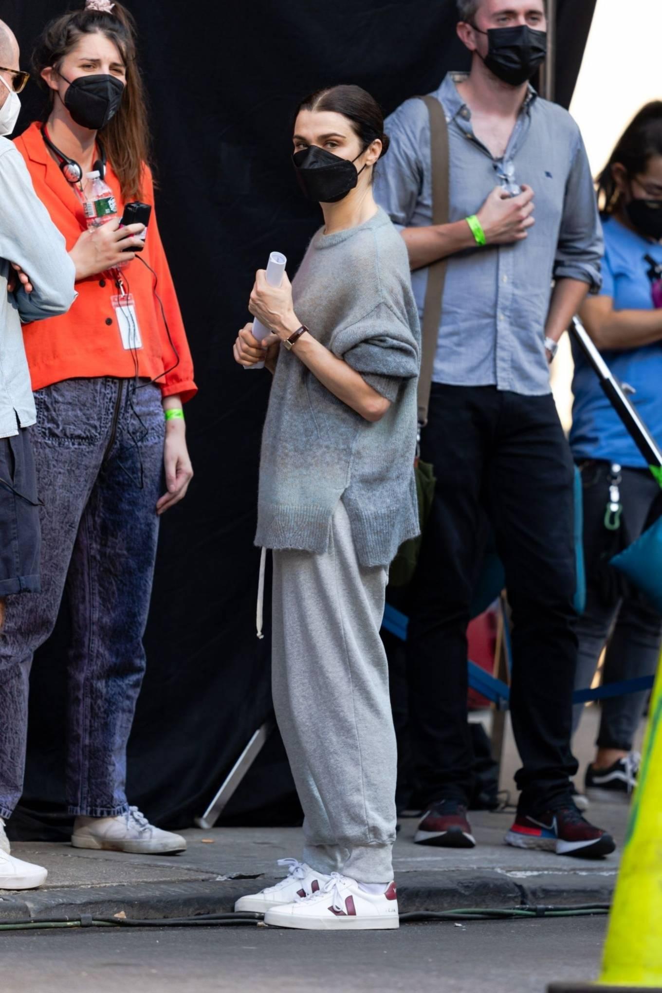 Rachel Weisz - 'Dead Ringers' set in New York City