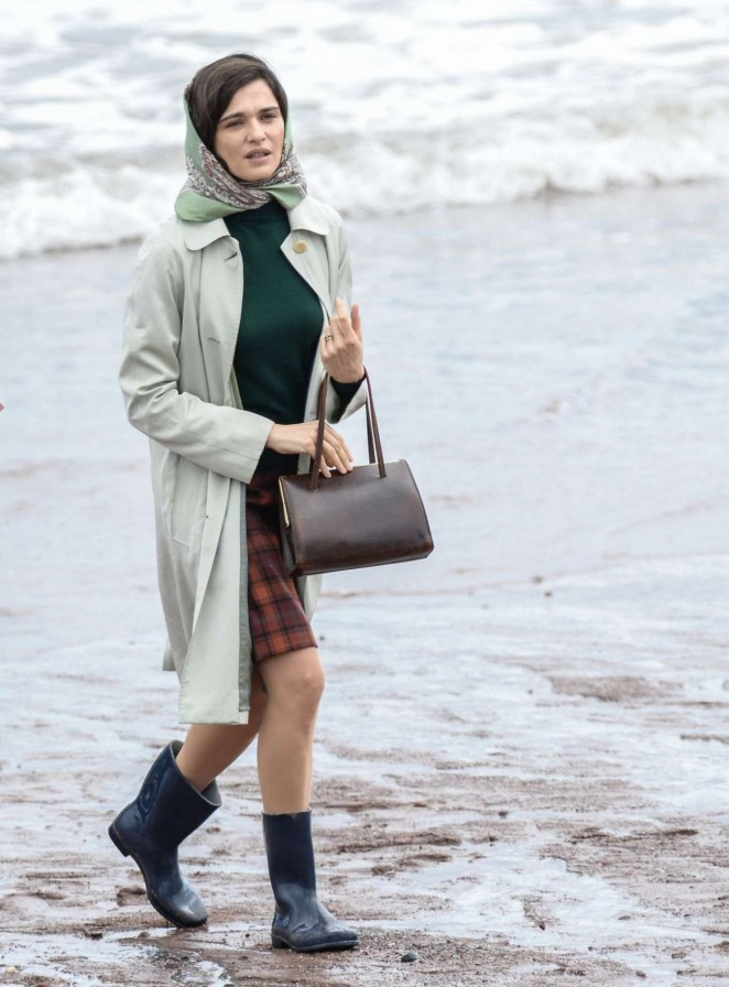 Rachel Weisz - On the set of 'Donald Crowhurst Story' in Teignmouth