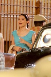 Rachel Zegler - Filming a scene at the 'West Side Story' movie set in NY