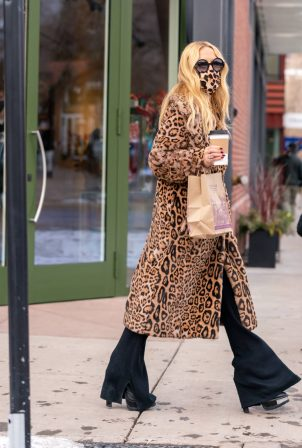 Rachel Zoe - Out in cheetah print coat for a shopping in downtown Aspen