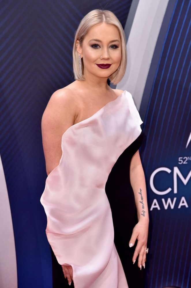 RaeLynn – 52nd Annual CMA Awards in Nashville