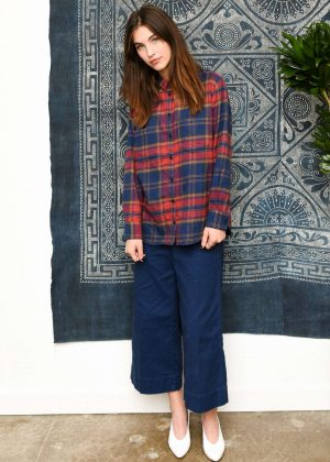 Rainey Qualley - Madewell Celebrates The Holidays in Beverly Hills