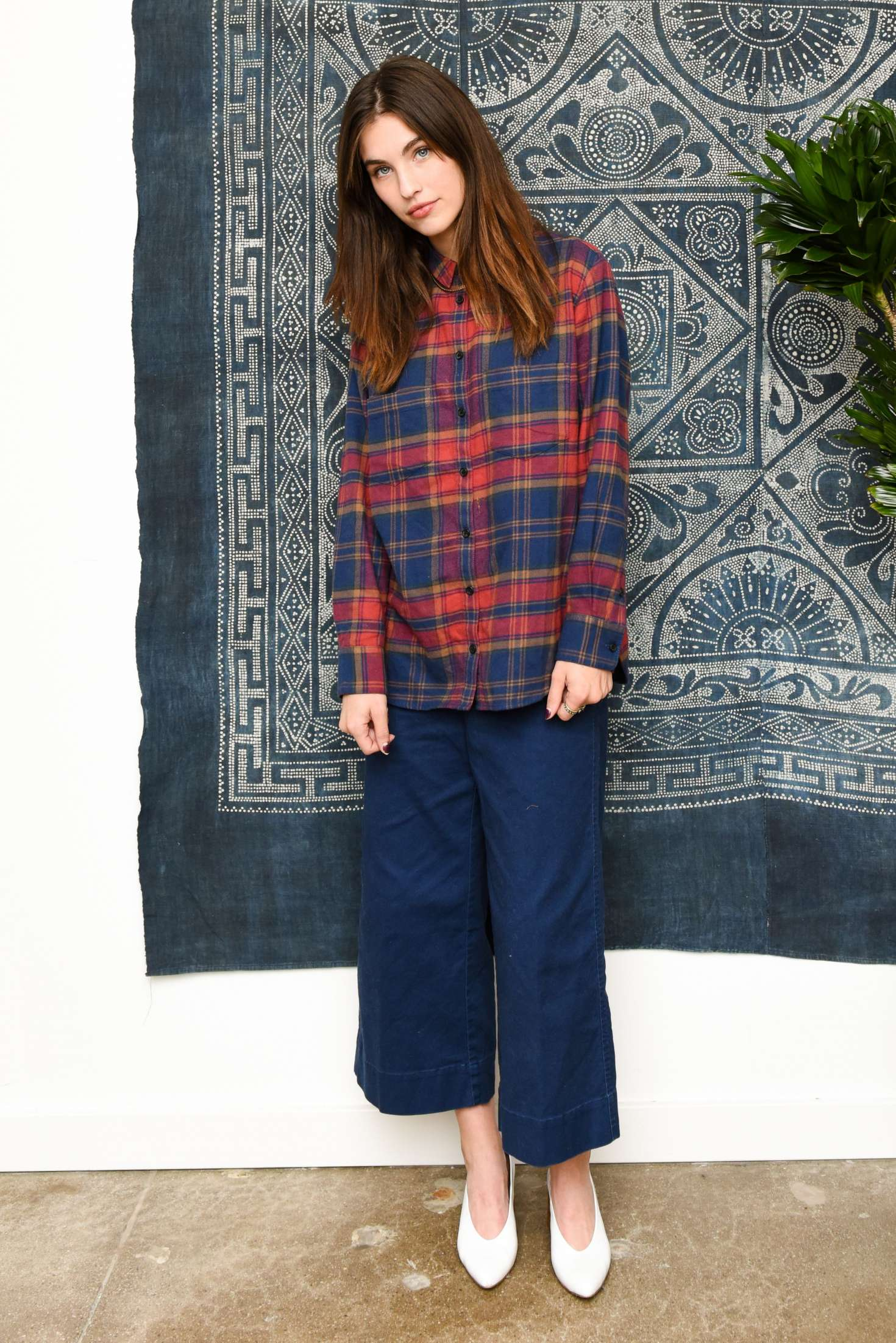 Rainey Qualley – Madewell Celebrates The Holidays in ...
