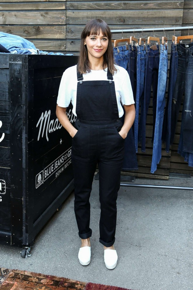 Rashida Jones - Madewell Denim Recycling Drive in Beverly Hills