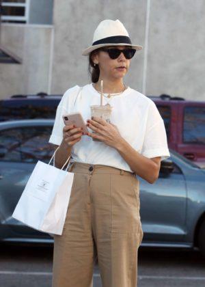 Rashida Jones - Shopping in Beverly Hills