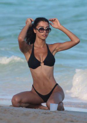 Raven Lyn In Black Bikini At The Beach In Miami Gotceleb