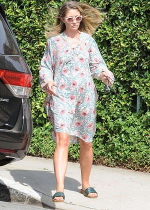 Rebecca Gayheart - Leaves Her Home in LA