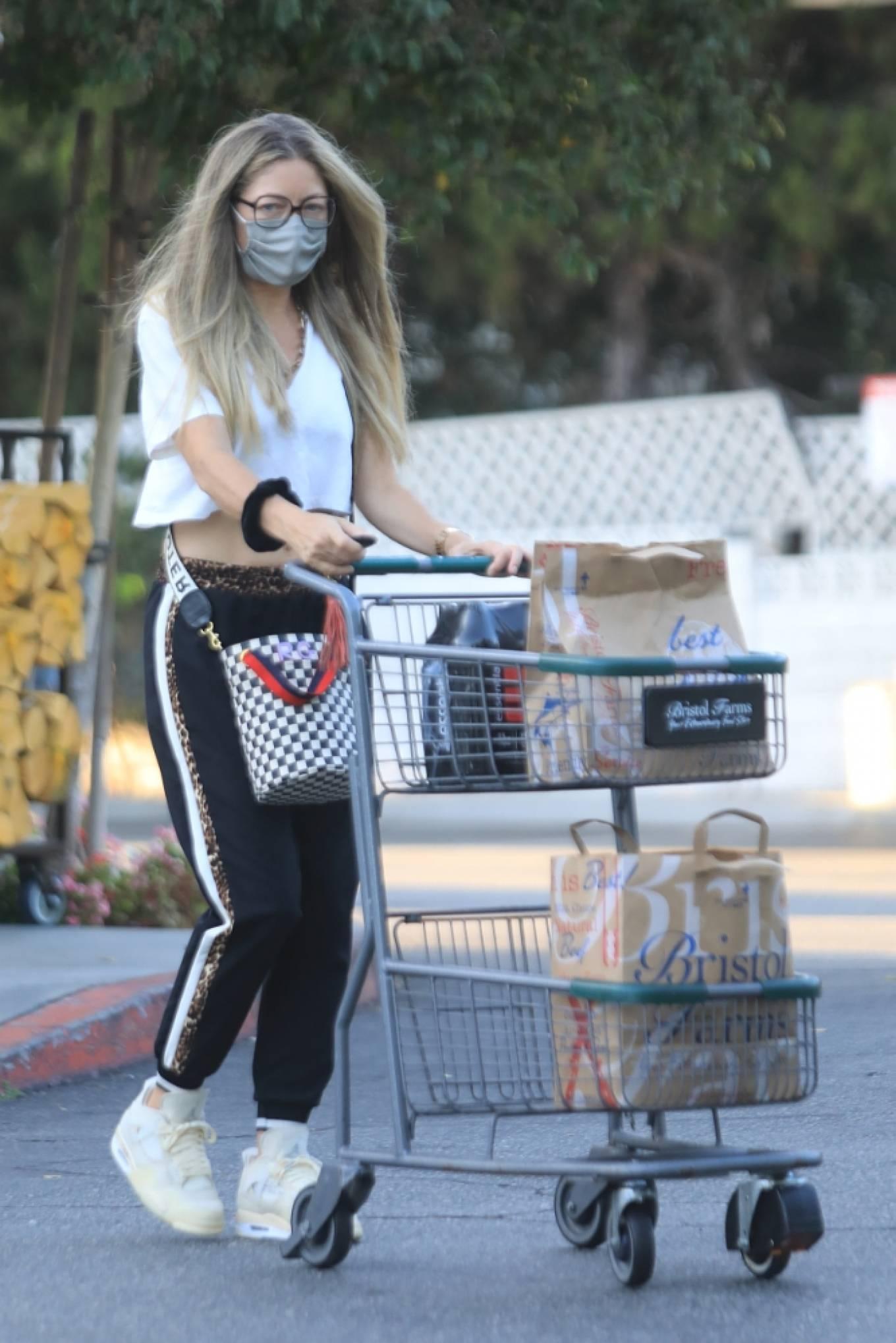 Rebecca Gayheart 2020 : Rebecca Gayheart – Shopping candids at Bristol Farms in Beverly Hills-18