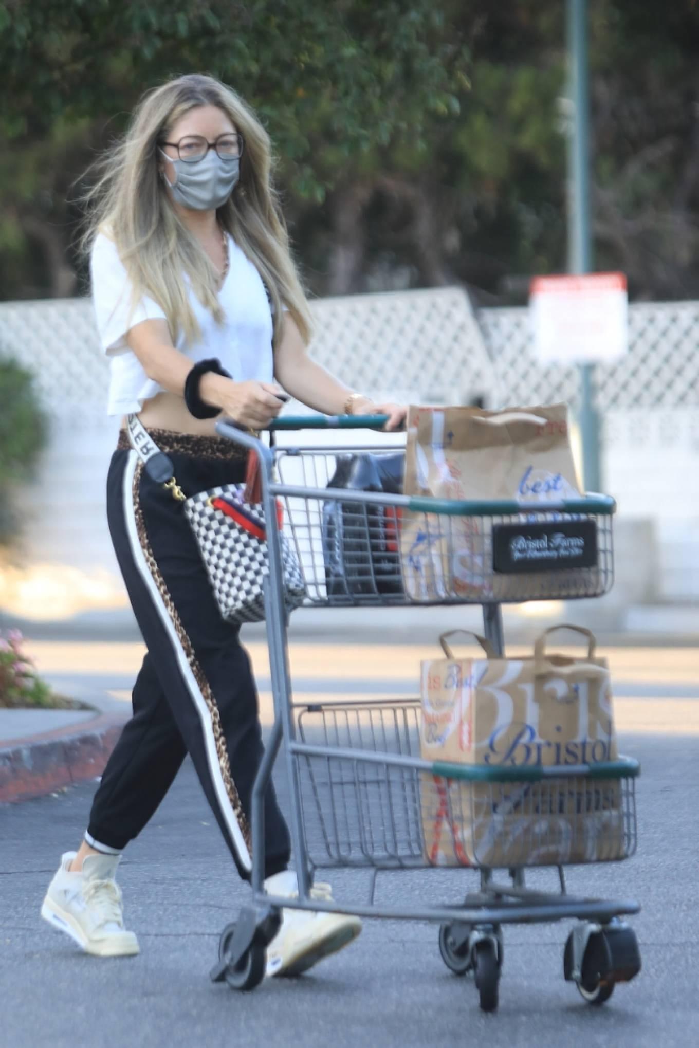 Rebecca Gayheart 2020 : Rebecca Gayheart – Shopping candids at Bristol Farms in Beverly Hills-25