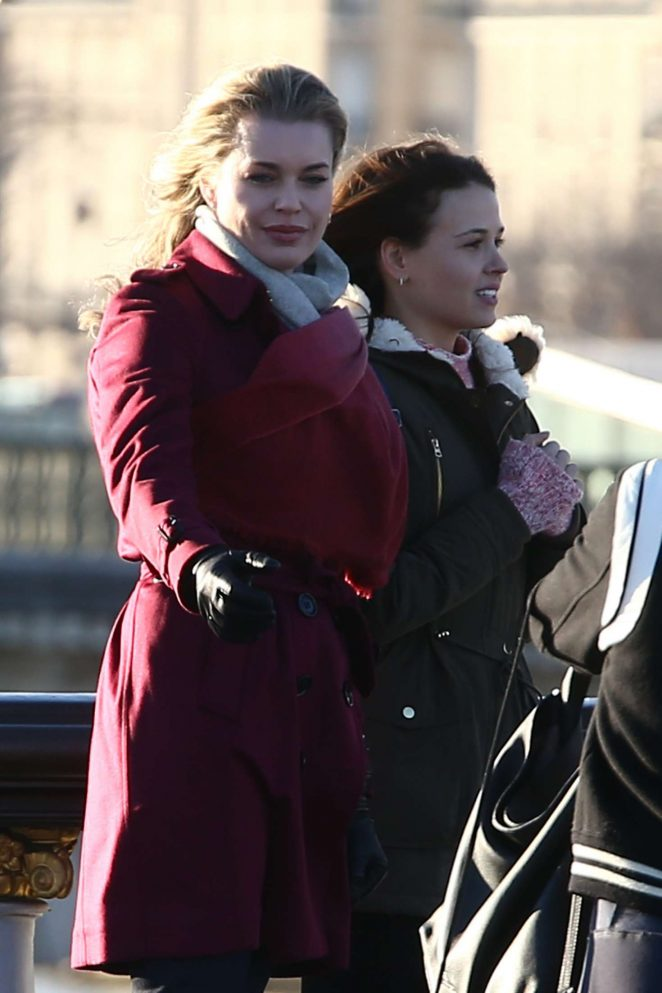Rebecca Romijn on the set of a movie in Paris