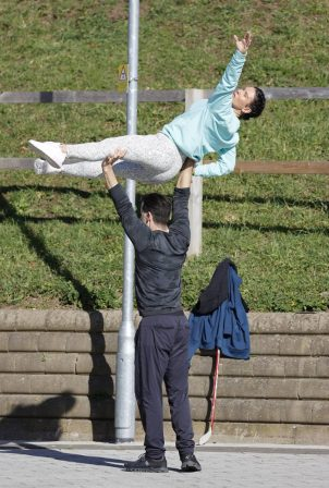 Rebekah Vardy - Practicing a few lifts before heading inside the rink in London
