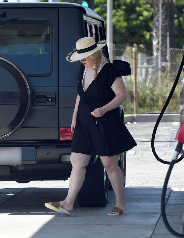 Rebel Wilson - Seen pumping gas in Malibu