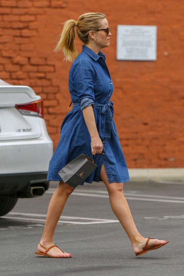 Reese Whitherspoon in Denim Dress -02