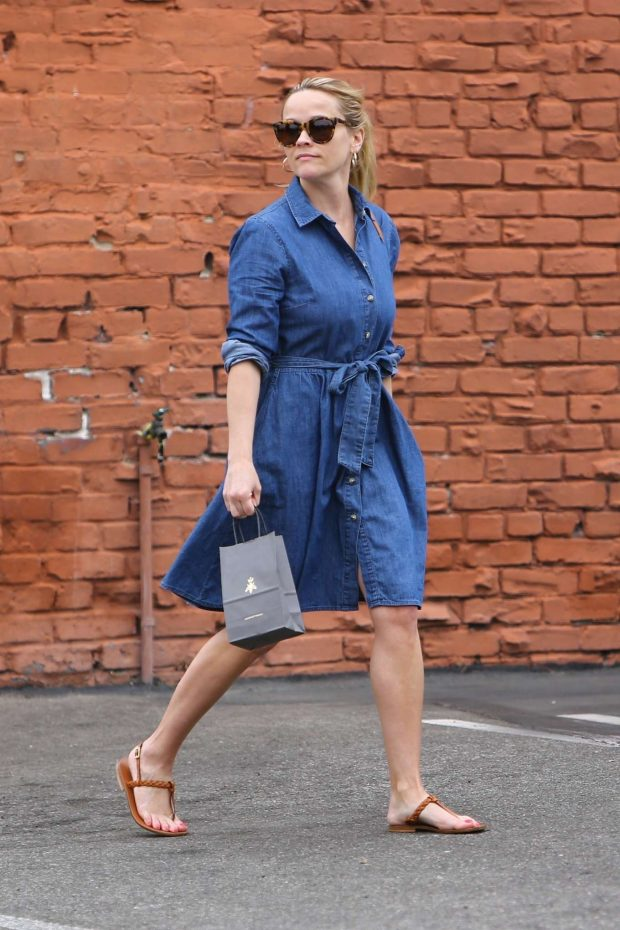 Reese Whitherspoon in Denim Dress -05