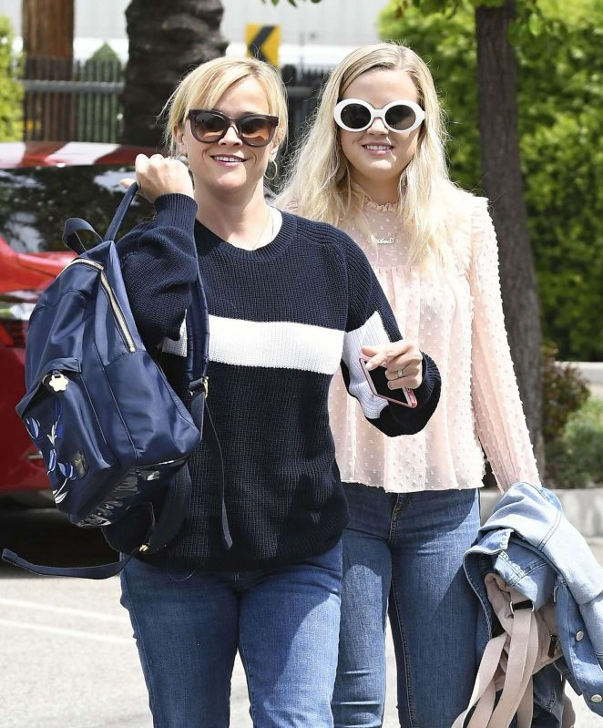 Reese Witherspoon and Ava Phillippe out in Santa Monica