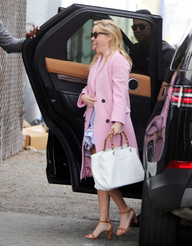 Reese Witherspoon: Arrives at church services -08