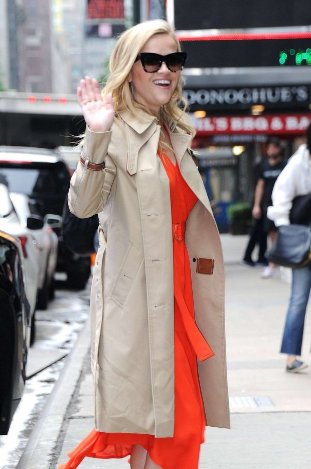 Reese Witherspoon - Arrives at Good Morning America in NYC