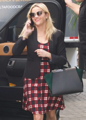 Reese Witherspoon - Arrives for a meeting in Santa Monica