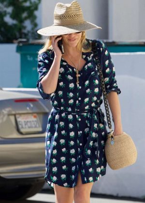 Reese Witherspoon at Beauty Park Medical Spa in Santa Monica