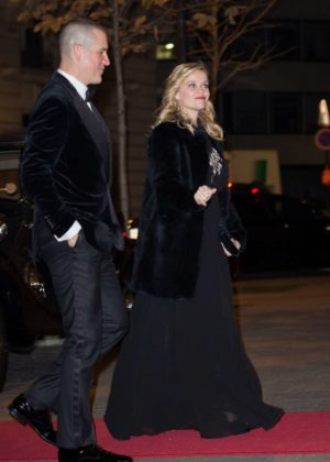Reese Witherspoon at Peninsula Hotel in Paris