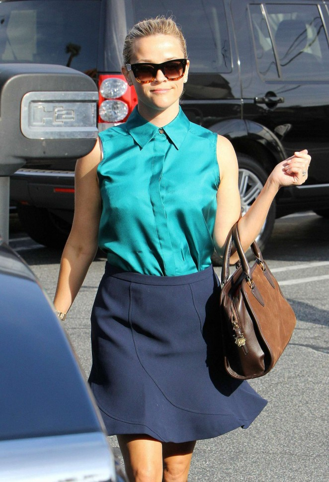 Reese Witherspoon - Attends a meeting in Brentwood