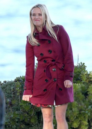 Reese Witherspoon - Filming 'Big Little Lies' in Monterey