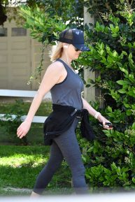 Reese Witherspoon - Goes for a Jog in Brentwood