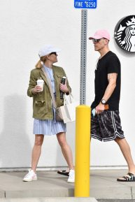 Reese Witherspoon goes out for some shopping with husband Jim Toth
