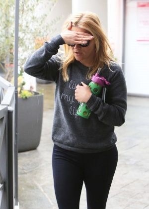 Reese Witherspoon - Heading to the gym in Brentwood