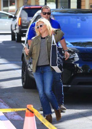 Reese Witherspoon - Heads to a meeting in Beverly Hills