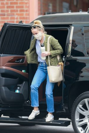 Reese Witherspoon heads to the studio in Hollywood