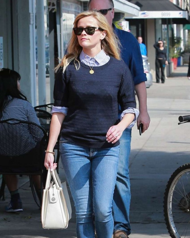 Reese Witherspoon in Jeans out in Beverly Hills